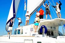 Crew posiert bei Catamarans Cup 2013