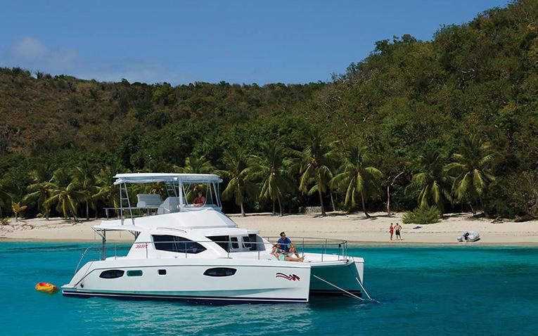 Motorkatamaran Segeln Yachtcharter Mittelmeer Kroatien Griechenland Türkei Karibik Tortola