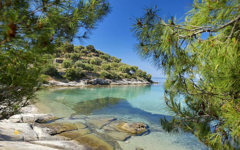 Einsamer Strand Spathies auf der Halbinsel Sithonia