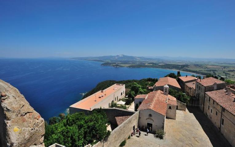 Ausblick über Populonia und den Golf von Baratti