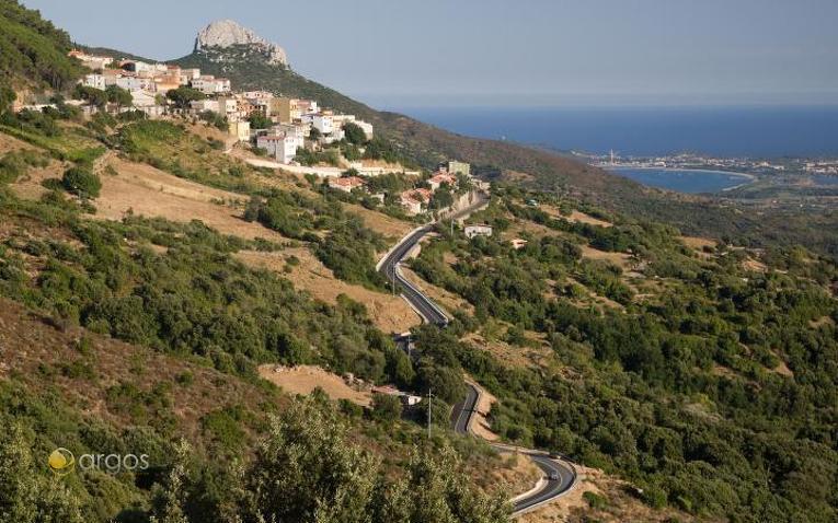 Blick auf die Ortschaft Baunei