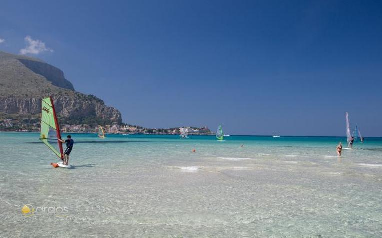 Pescara Strand yachtcharter italien argos yachtcharter segeln aus leidenschaft