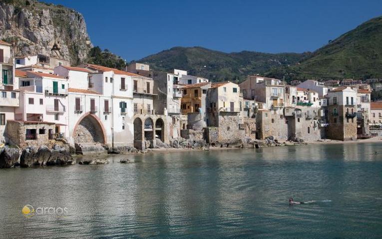 Blick auf die Stadt Cefalù