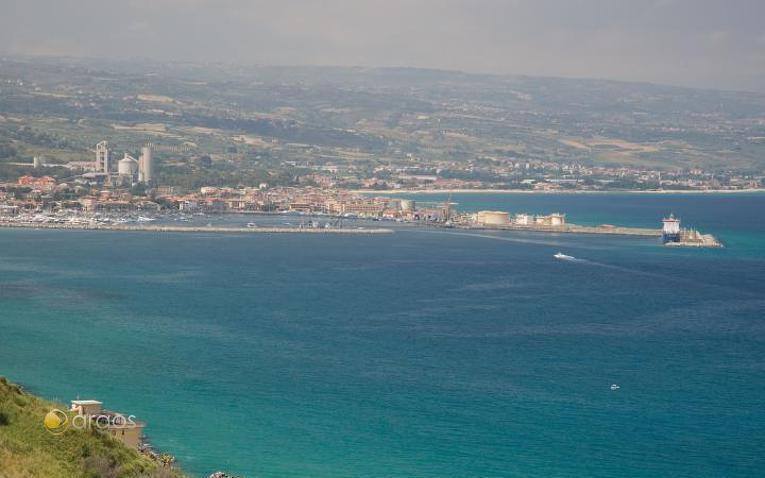 Blick auf den Hafen von Pizzo