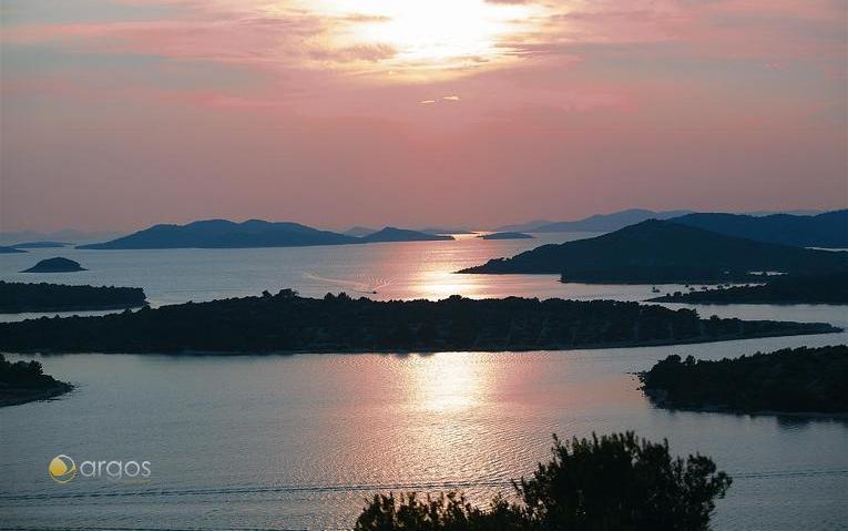 Sonnenuntergang hinter den Inseln der Kornaten