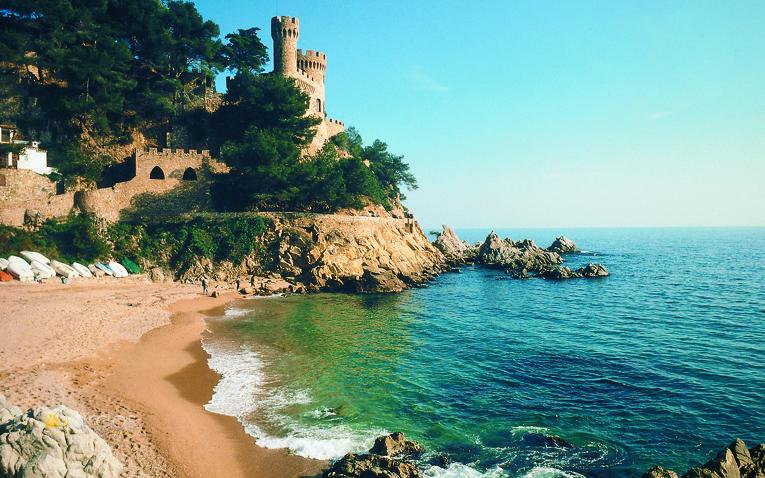 Strand Castell de Sant in Lloret de Mar