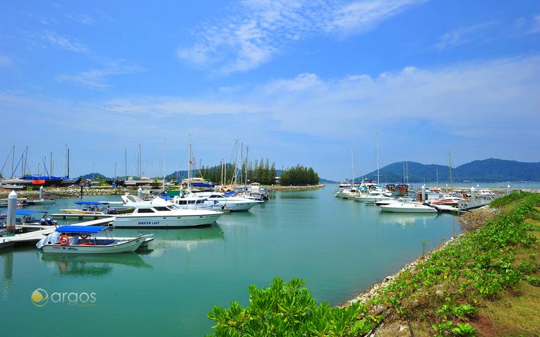 Yachten im Hafen von Lumut in der Region Perak