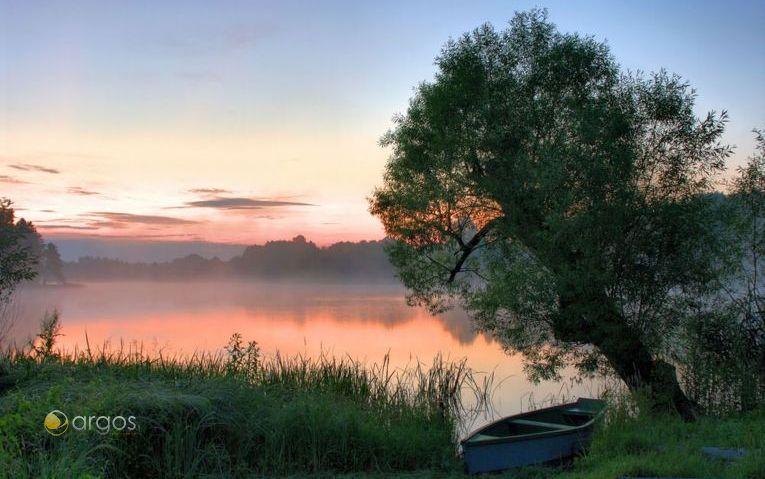 Nebellandschaft über den masurischen Seen