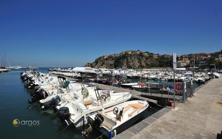 Yachten im Hafen von Agropoli
