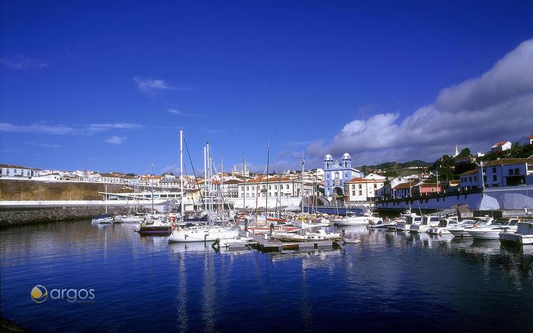 Marina Angra do Heroismo auf der Insel Terceira