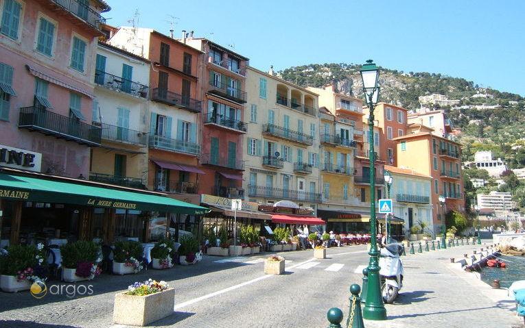 Promenade von Villefranche-sur-mer an der Cote d'Azur