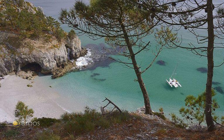 Kleine Bucht auf der Halbinsel Crozon in der Bretagne