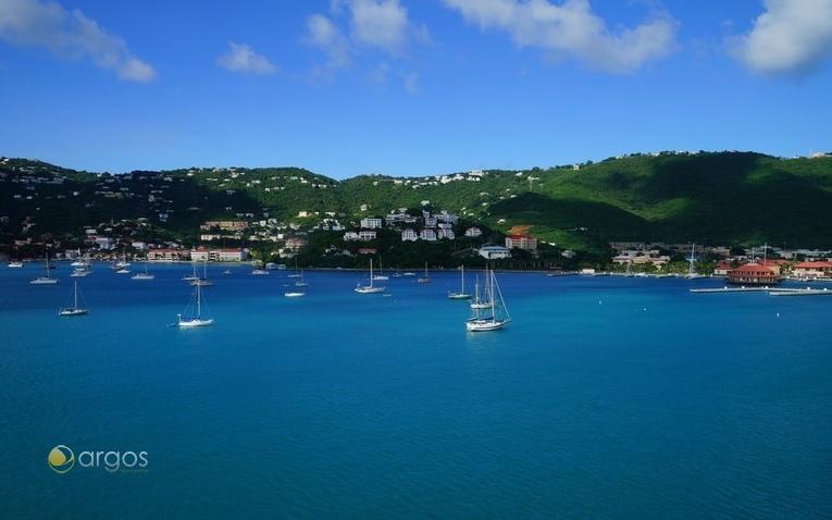 Yachten vor Long Bay auf der Insel St. Thomas in den US Virgin Islands