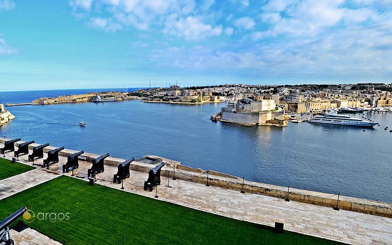 Blick auf die Grand Harbour Marina