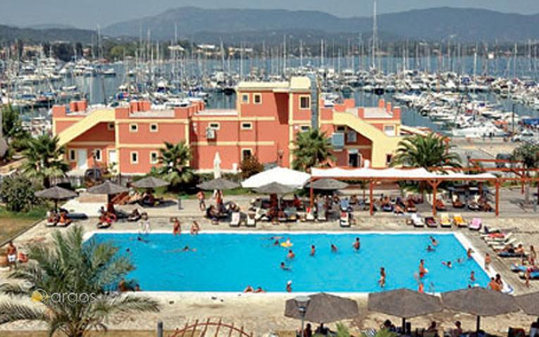 Korfu Gouvia Marina, Schwimmbad