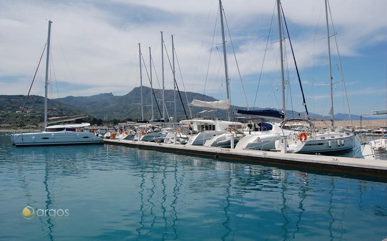 Kiriacoulis Flotte in Sant Agata di Militello