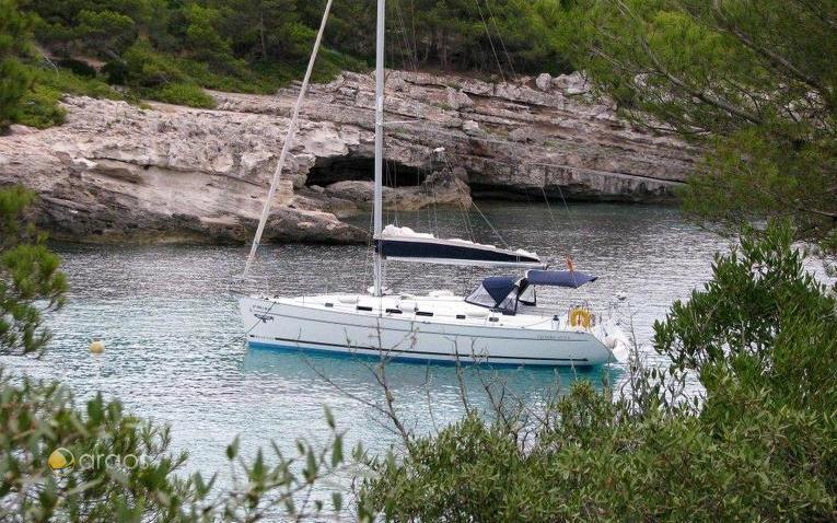 Charteryacht von Alboran Charter in der Cala Turqueta