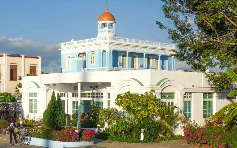 Hauptgebäude der Basis in der Marina Marlin in Cienfuegos