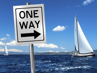Yachten mit One-Way-Schild © Andrew Williamson / De Visu