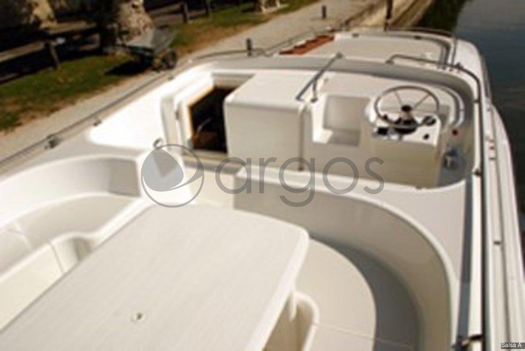 salsa a 4 kabinen 2 wc hausboot id 2713 argos yachtcharter segeln aus leidenschaft. Black Bedroom Furniture Sets. Home Design Ideas