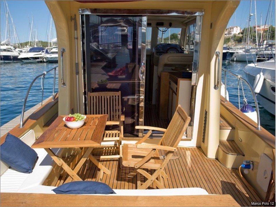marco polo 12 2 kabinen 2 wc motoryacht id 3778. Black Bedroom Furniture Sets. Home Design Ideas