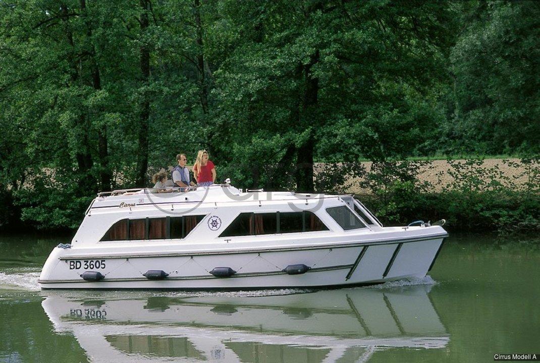 cirrus modell a 1 kabinen 1 wc hausboot id 1833 argos yachtcharter. Black Bedroom Furniture Sets. Home Design Ideas